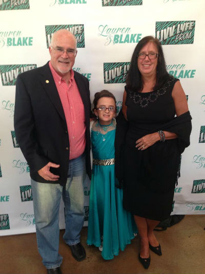 Beth And Mike Donnelly With Lauren Circle